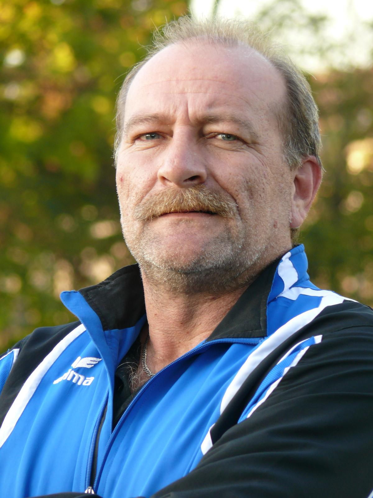 <b>Rainer Wagner</b> E-Mail: 1.Vorsitzender@fcneuhadern.de. Handy: 0171 497 80 65 - Rainer%20Wagner